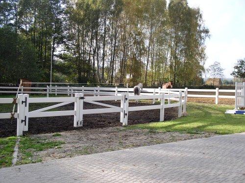 fencing26.jpg